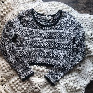 (ANTHROPOLOGIE) aztec cropped sweater sz M